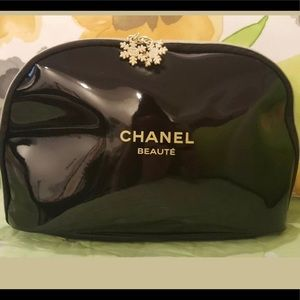 Chanel makeup bag brushes NOT included  NWNT