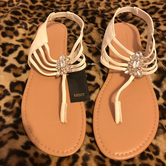 a5470219f7dd5c NWT Mixit white jeweled sandals size 9