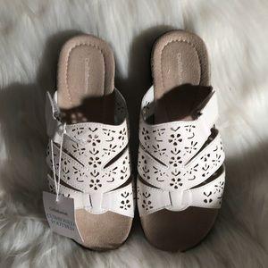 Shoes - Brand New Croft & Barrow Flexible Outsoles Sandals
