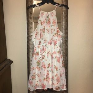 Dresses & Skirts - Floral summer dress