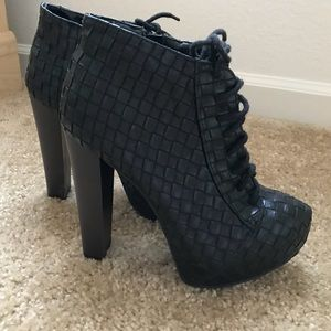 Shoes - Size 7 Black Booties