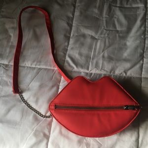 Red Lips Purse