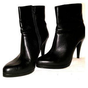 Nine  West women black ankle boots