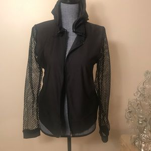Hoodie work out jacket with fishnet sleeves