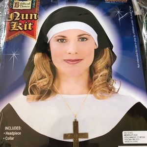 Nun headpiece and collar nwt