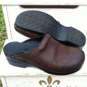Dansko Sonja Clog Brown Oiled Leather Size 10 / 40