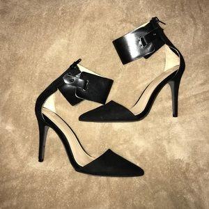 "✨ Gorgeous""Zara Black Pointy Suede Heels!"