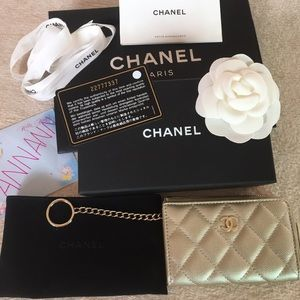 Chanel zippy card holder