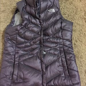 Women's North Face Puffer Veat