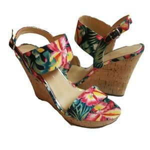 JESSICA SIMPSON floral tropical slingback wedges
