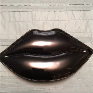 Black lips Aldo purse
