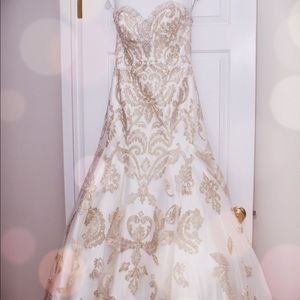 Couture Deaigner Wedding Gown with Mantilla