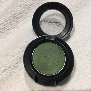 "Mac eyeshadow ""Humid"""