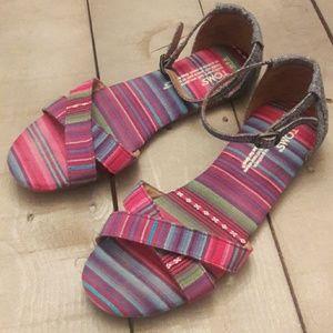 Toms sandals size w7.5