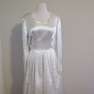 Vintage 1940's / 1950's Satin Wedding Dress