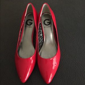 Guess Red Patent pump