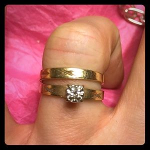 ANTIQUE 2 10kt Gold Engamnt ring and wedding band