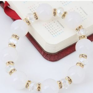 Beautiful white gold and clear ringtones