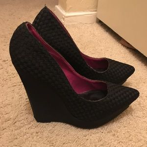 Andrea black heels . Almost new ! Wore once!