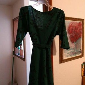 Leota Jade and black tie stretch dress size 20