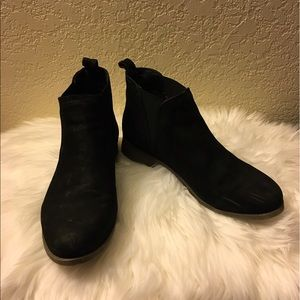 Steve Madden Ankle Suede Boots