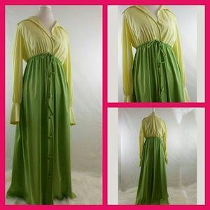Vintage Vanity Fair Lounge Gown Sz Medium
