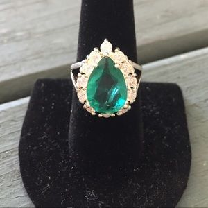 NEW! Unique Green Ring