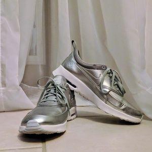 Nike womens Air Max Thea Silver sz 9