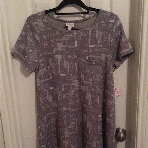 Small NWT grey and white Carly