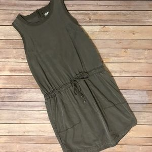 Lou and grey loft army green dress