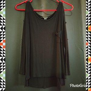 Black 3/4 Length Shirt 🖤