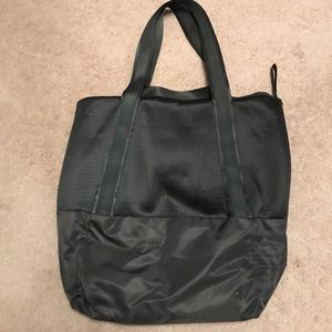 Olive Green lululemon Tote only worn once!