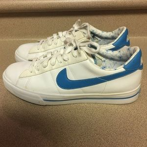 Pre-Owned Nike Women's Size 10 White/Blue