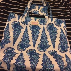 Lilly Pulitzer - Gift with Purchase Tote & pouch