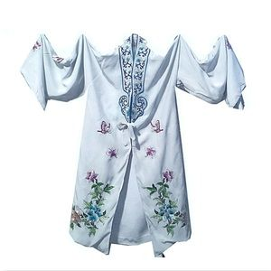 Vintage 60s Chinese Pale Blue Embroidered Robe