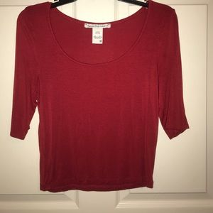 Red 3/4 sleeve crop top