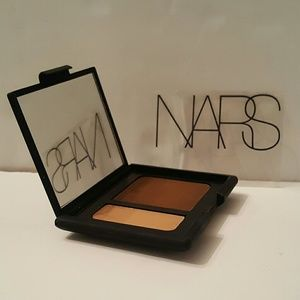 Nars contour blush in Melina, beautiful combo.