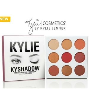 #KylieCosmetics Kyshadow pressed eye shadow