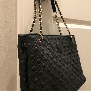 tory burch marion quil ted chain tote
