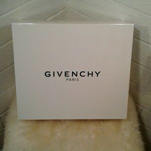 Givenchy Reselling Shoe Box
