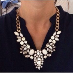 🔥BEST SELLER🔥 White Floral Enamel Necklace
