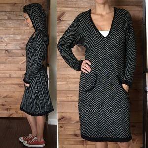 ABI FERRIN Herringbone Sweater Dress Capuz