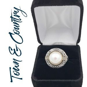 Town & Country Pearl Diamond Ring