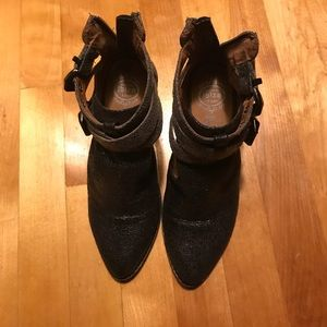 New, only tried on, Jeffrey Campbell booties