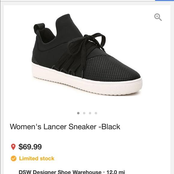 713feb82649 NWT s Steve Madden Lancer tennis shoes