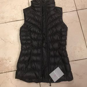 Athleta downaliious black vest xxs new!