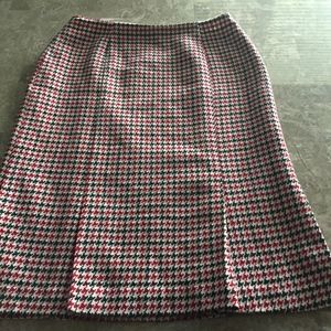 Talbots Red Houndstooth Skirt w/ Pleats on bottom