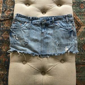 American eagle distressed jean skirt.