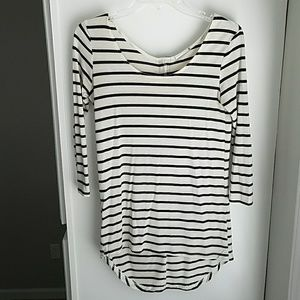Tops - 3/4 sleeve striped shirt