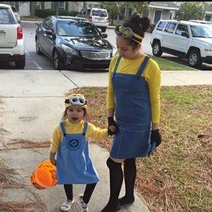 Adults minnion Halloween costume